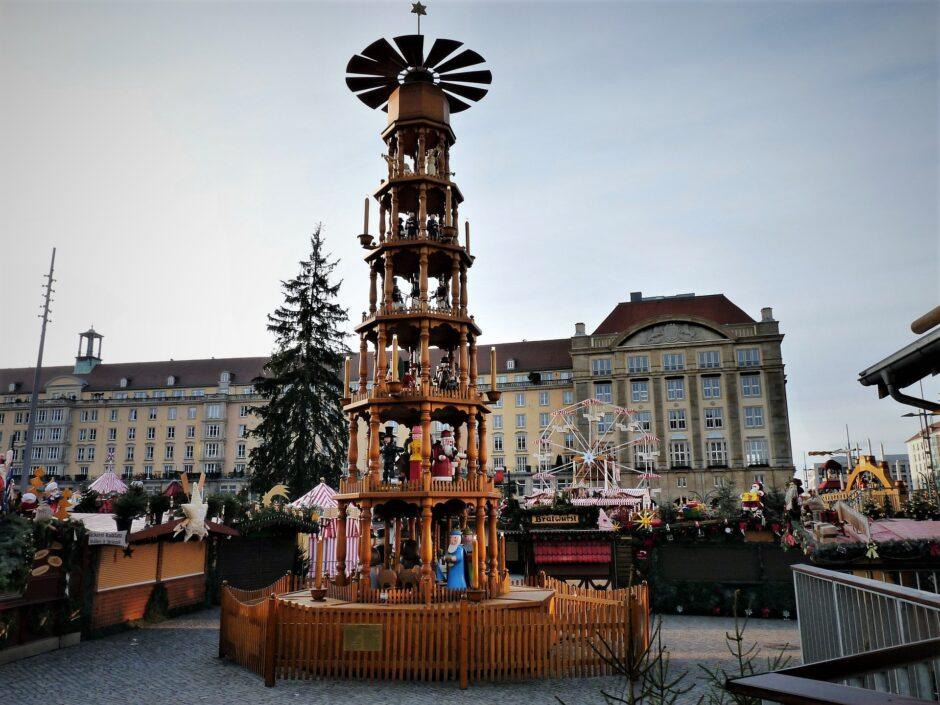 Drážďany - Tradiční vánoční trh Striezelmarkt se v roce 2020 nekoná. Oficiální informace a tisková zpráva v češtině ke stažení.